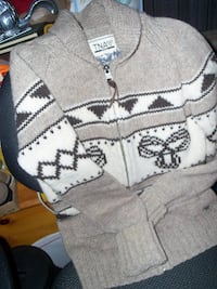 youth, small TNA Sweater..firm price.. Corbyville