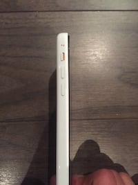 iPhone 5c 16gb new, unlocked to any carrier Richmond Hill, L4E 4H3