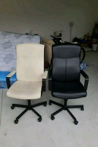 Two computer chairs for sale  Richmond, V7A 4A6