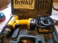 DeWalt drill 12 volts + Box, battery and charger Edmonton, T5E 0Y8