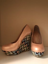 Multicoloured wedges. In great condition. Size 8 Edmonton, T5Z