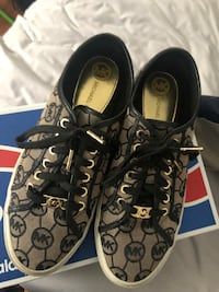 pair of brown Coach low-top sneakers Clinton, 20735