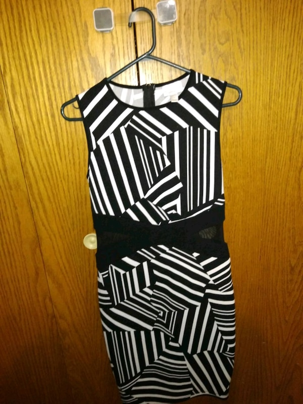 348206322c Used Bisou Bisou black and white dress size4 for sale in Brookfield. Next  listing. Previous listing. Bisou Bisou black and white dress size4