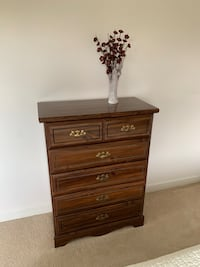 Beautiful tall chest of drawers in excellent condition Westwood, 02090