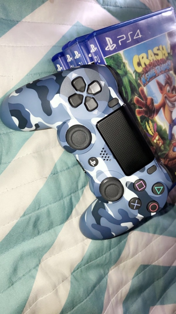 PlayStation 4 Controller & Games