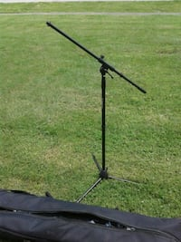 4 new on stage microphone stands Louisville, 40216