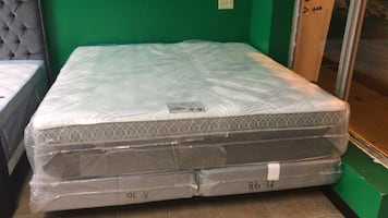 Pillow Top King Size Mattress And Boxspring For Sale