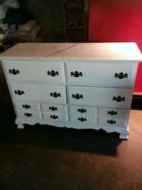 Nice and Large Bedroom Dresser Canton, 44718