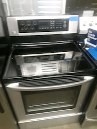 Lg electric stove excellent condition  Baltimore, 21223