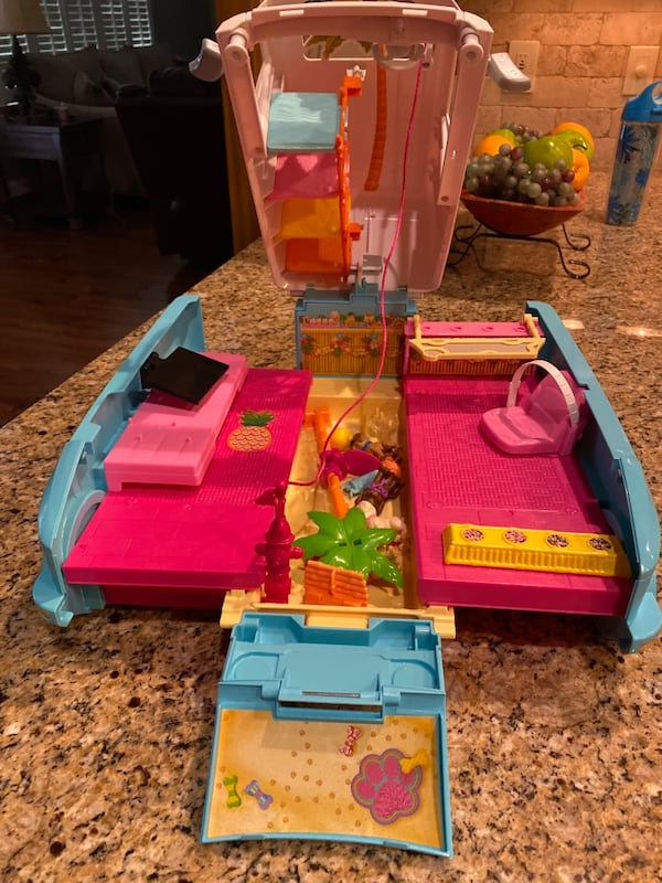 Barbie® Ultimate Puppy Mobile (Brand new never played with but once) 2df28e3b-40ff-4a1d-b6c4-731cb06a4417