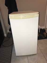 Mini Fridge  Waterloo, N2L 3B5