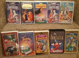 VCR & 10 Kids Movies vhs  Pick-up in Newmarket   (ref # Kids VCR Lot # 1)