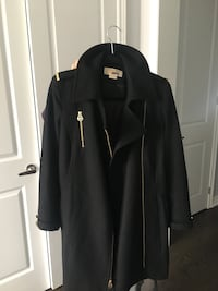 Michael Kors Womens Peacoat. Gently used, in good condition. New Tecumseth, L0G 1W0