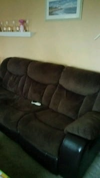 Couch and love seat  Appleton, 54911