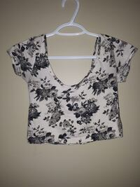 women's white and gray floral crop-top Lake Country, V4V 1S6