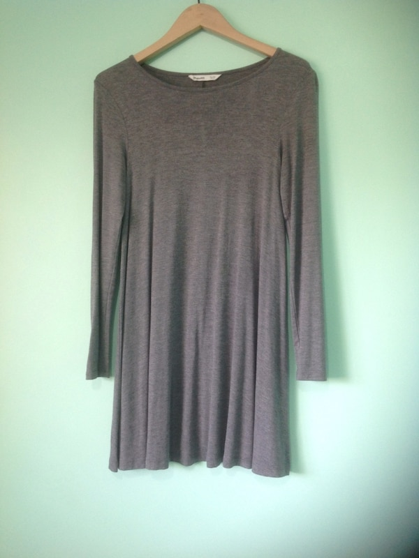 Women's gray long-sleeved dress