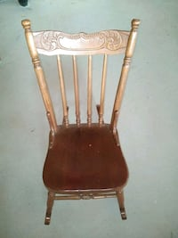 Feeding / brown solid wooden windsor rocking chair Brampton, L7A 0B5