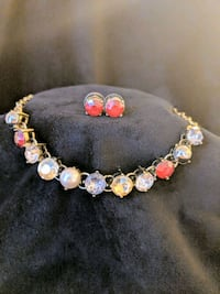 *NWT*Gold & Red Jeweled Necklace and Earrings Set Leesburg, 20176