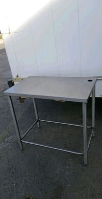 3x2 ft ss work table Calgary, T2A 5R5