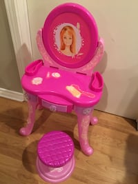 Toy Barbie Vanity Set