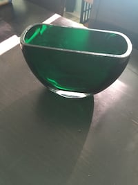 green and white ceramic bowl