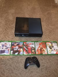 Xbox one with games and controller Surrey, V3V 8E1