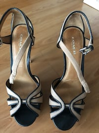 pair of gray leather open-toe heeled sandals Vancouver, V6B