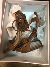 pair of brown leather open-toe heeled sandals Vancouver, V5P