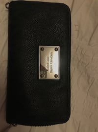 Black michael kors leather wristlet Vaughan, L6A 1Y1