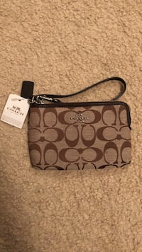 Monogrammed brown and black coach wristlet Mississauga, L5M 7H7