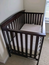 Delta 4 in 1 crib with Sealy soybean foam core  mattress- Never used Virginia Beach, 23462