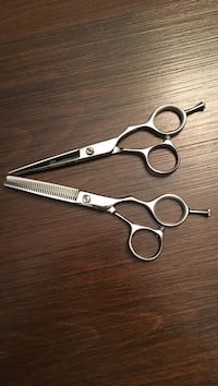 Hair scissors  and texturizing shears  5.5  hairstylist salon Edmonton, T6J 0R5