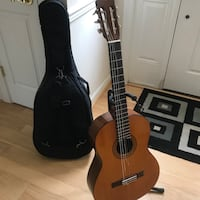 Yamaha guitar only used for 3 months  Lorton, 22079