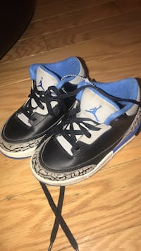 Pair of black-and-blue air jordan shoes Temple Hills, 20748
