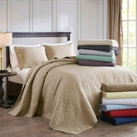 King  size bed comforter w/2 pillow shams Chesterfield, 23832