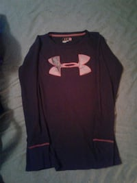 black and red Under Armour long-sleeved shirt Chattanooga, 37415