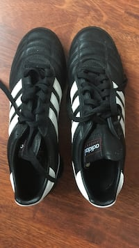 Chaussures Adidas foot Libourne, 33500