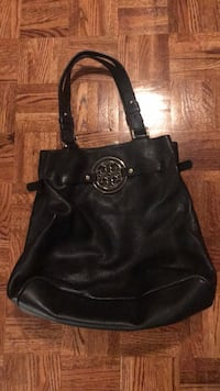Troy Burch black purse  Vaughan, L6A 2H4