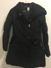 black zip-up bubble jacket Montréal, H3W 1K9
