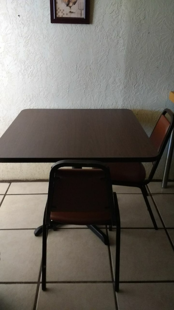 Restaurant Tables For Sale >> Restaurant Tables With Four Chairs Each