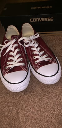 burgundy converse(only worn once) Frederick, 21703