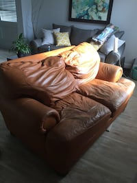 Leather couch and love seat Charlotte, 28270