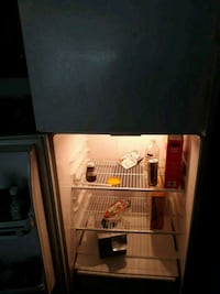 Fridge.  Works great nothing wrong, must go now Anniston, 36207