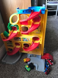 yellow and red track toy set Oneida, 48837