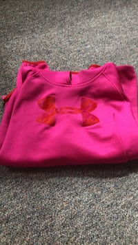 b65a2505d2fe86 Used Pink under armour tank top for sale in Sandwich - letgo
