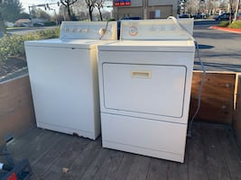 PRICE DROPPED TO SELL- Very Clean LARGE CAPACITY Washer/Dryer