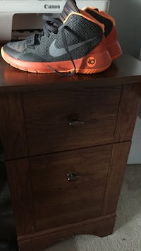 Kd shoes only wore twice. size 7 Linden, 28356