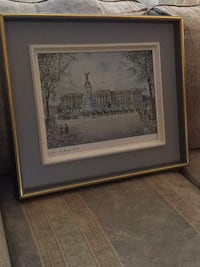 Print of Buckingham palace with changing of the guards Dorval, H9S 1G2