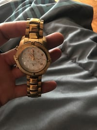 Round gold-colored chronograph watch with link bracelet New York, 10457