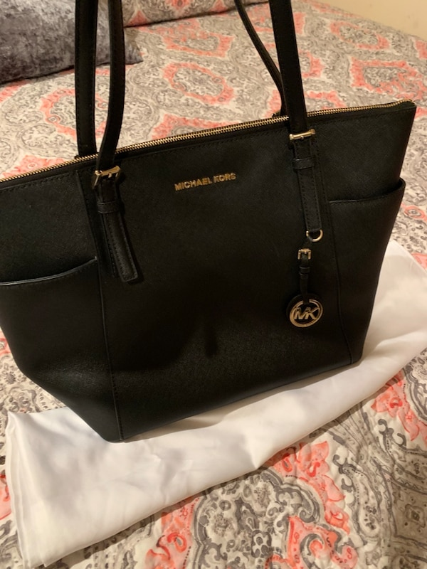 c33318024b99 Used Michael kors handbag authentic for sale in Cranford - letgo